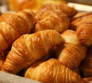 Le service boulangerie et ses Croissants de votre Camping Vendée 3 étoiles, Le Clos du bourg