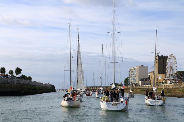 bateaux au sables d'olonne en Vendée